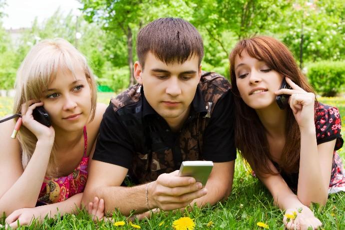 כולנו גולשים באינטרנט מכל מקום ובכל זמן. למעשה בשנים האחרונות כל מכשיר בעל מסך הפך לנקודת גישה לרשת האינטרנט בעבורנו החל מהטלפון הנייד וכלה בטלוויזיה. ריבוי האפשרויות מחייב את בעלי […]